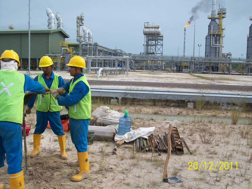 SOIL INVESTIGATION FOR PIPELINE ROUTE FROM SUNGAI KENAWANG PLANT TO GRISSIK PLANT 2011